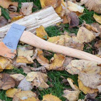 Kit bushcraft débutant hache couteau pierre à feu