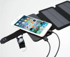 Chargeur-solaire-pour-la-randonnee-pliable