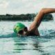 Nager dans l'eau froide précautions