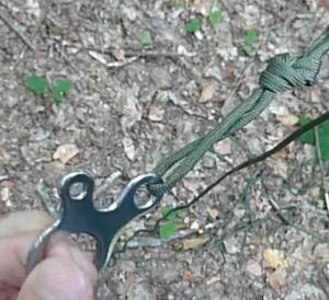 Corde et boucle pour abri bushcraft
