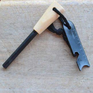 Pierre à feu avec manche en bois de grande dimension
